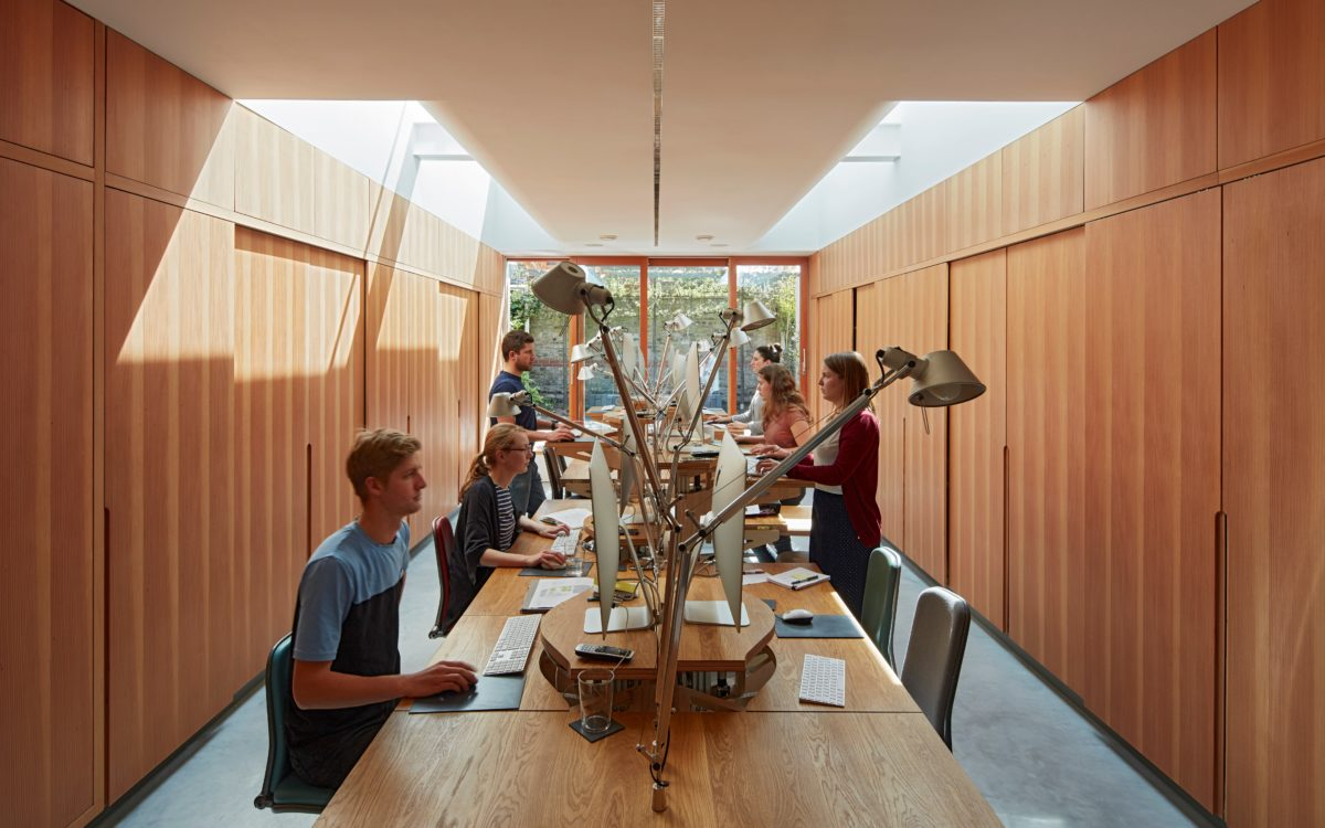 Knox Bhavan Architects / KBA Hydraulic Workstation
